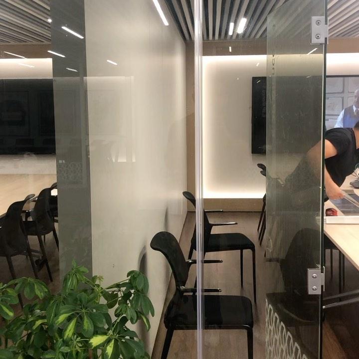 Instalación de vinilo CASPER en las oficinas centrales del Nationale Nederlanden
