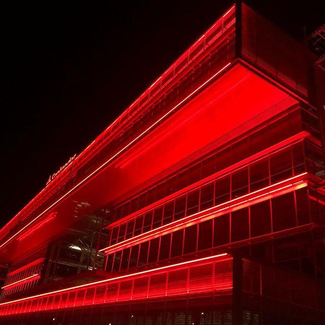 Trabajos de decoración en la sede del Banco Santander en Madrid